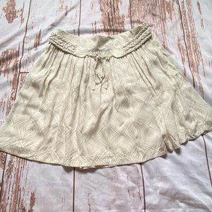 Club Monoco lght weight skirt-cream colored-size 0